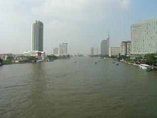 Am Chaopraya-Fluss...